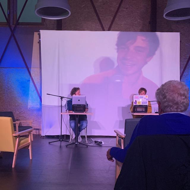 Het NUT en Studium Generale tijdens voorstelling Futuristen. Fotograaf: Nichon Glerum